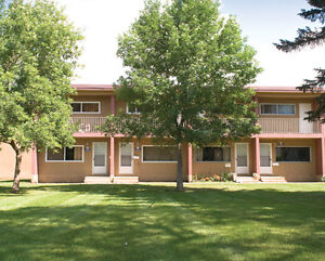 RENT A 3 BEDROOM FOR THE PRICE OF 2 - Near Shopping &... Edmonton Edmonton Area image 9