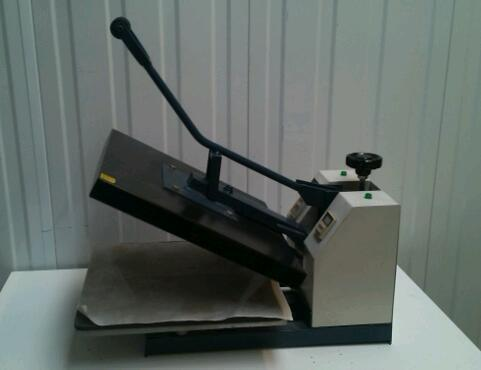 MICROTEC T-shirt Heat Print Press Machine 1800W apply graphic designs & prints, vinyl to T-shirts