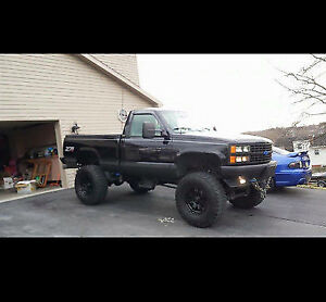 LOOKING FOR A TRUCK