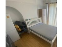 Spacious Large double room £550 with all bills included.