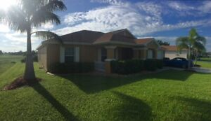 CAPE CORAL FL. Nov-Dec LONDON OWNERS RENTING OUR BEAUTIFUL HOME