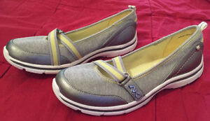 3 Pairs of Size 6 Women's Shoes