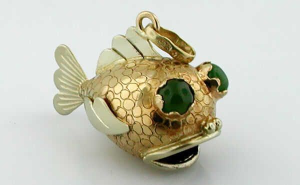 Your Guide to Buying Gold Charms2161