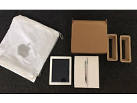 iPad 2 16gb White - Silver - Original box, outer box and apple bag. Power lead, unused.