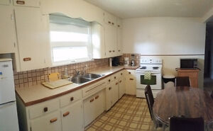 Fully Furnished Family Home on Francis Street Regina Regina Area image 2