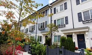 LARGE Coquitlam Townhouse- 2 Bed + Den 2 Bath Like new