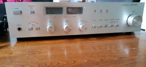 Lloyd's retro stereo amplifier and stereo tuner