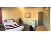 EXTRAVAGANT ROOM WITH ALL BILLS INCLUSIVE