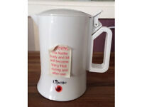 Travel kettle in good condition and good working order.