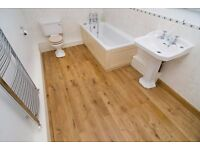 Laminate flooring fitter