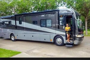 For Sale 2006 Fleetwood Revolution 4 Slidles