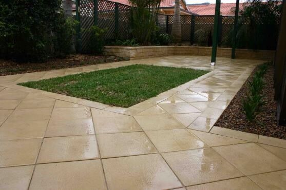 Gardening and fencing paving stones driveway fencing slabs for Garden decking and slabs