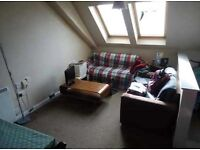 Cosy 2 Bedroom Student Flat to Rent on Brown Street, Dundee, very central