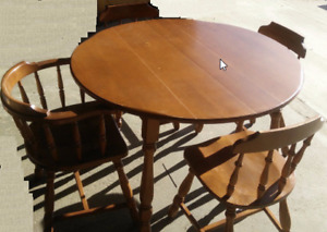 100% Solid wood maple dining set (from 60's)
