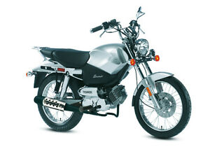 Moped scooter 50cc à conduire avec permis d'auto ou scooter