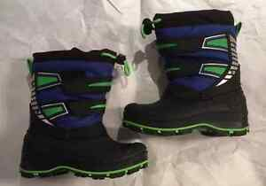 BRAND NEW KIDS' SIZE 7 WINTER BOOTS!! Peterborough Peterborough Area image 2