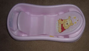 Great baby to toddler bath tub, MINT condition $5, 2 others $ 3 Kitchener / Waterloo Kitchener Area image 2