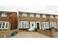 Lovely 2 Bedroom House in Slade green (Next To Train Station)