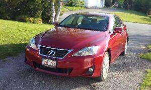 2012 Lexus IS250 Moonroof and Leather heated seat