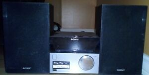 SONY CMTS30IP AM/FM CD TUNER AUDIO SYSTEM