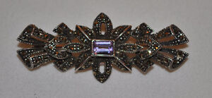 2 VINTAGE QUALITY BROOCHES - SEE THEM BOTH