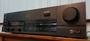 VINTAGE TECHNICS STEREO INTEGRATED AMPLIFIER/PHONO/MADE IN JAPAN Dandenong North Greater Dandenong Preview