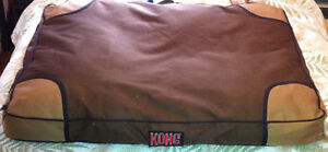 """KONG Chew Resistant Pillow Bed HEAVY DUTY for large dogs 40""""x30"""""""