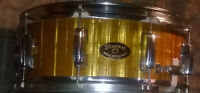 60s STEWART  5X14 10-LUG FIBER GOLD PEARL SNARE BLACK/GOLD BADGE