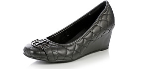 Robin Barre Black Wedge Quilted Design Dress Shoes Women Size 8