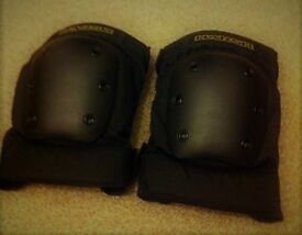 Harsh Pro Park Protective Knee Pads - Small Adults - New without Box
