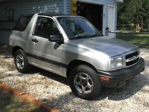 Mint Condition 2001 Chevy Tracker, 108,000 km.