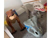Jurassic Colossal dinosaurs & mask
