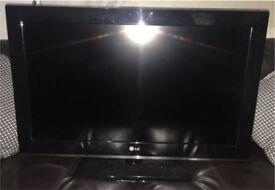 LG 32 inch widescreen HD ready LCD TV