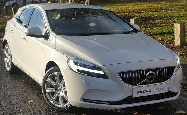 volvo v40 d4 190 inscription 5dr geartronic white 2017 in wolverhampton west midlands. Black Bedroom Furniture Sets. Home Design Ideas