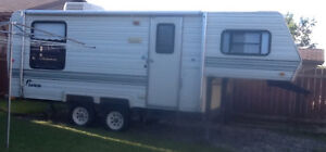 Salem 5th wheel 21.5 ft camper