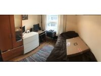 Beautiful Single Room to Rent in Very Nice Flat