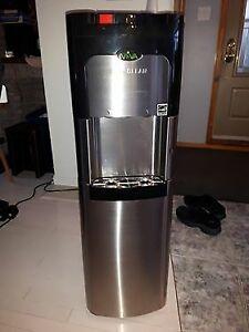 Distributrice / Machine à eau chaude et froide