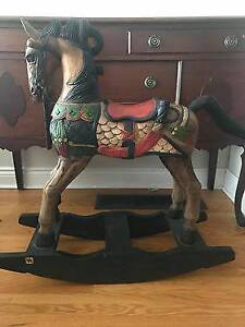 Hand Carved & Painted Horse - Antique Collectible - Excellent