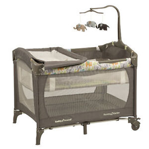 Parc BabyTrend playpen 60$ impeccable