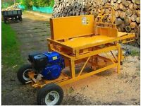 Mobile sawing machine for firewood, wood splitter