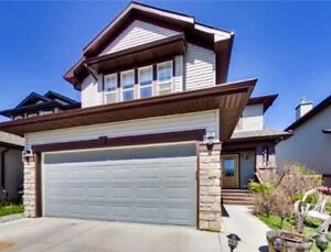 JUST LISTED!! Stunning 4 Bed/3.5 Bath House located in Okotoks