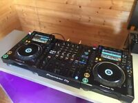 immaculate set of CDJ 2000 nxs 2 and DJM 900 nxs 2