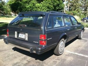 Late 80's or 90's Buick Olds Chevy Pontiac Ford Station Wagon