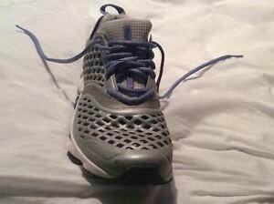 Reebok Women's Smoothfit Selectride Running Shoe sz 91/2 Kitchener / Waterloo Kitchener Area image 2