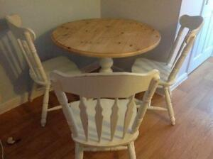Genial Shabby Chic Round Dining Table And Chairs