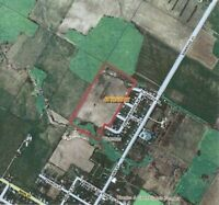 Vacant Land For Sale in Tiverton