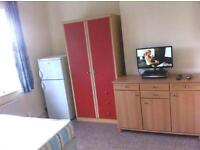 A lovely double room has become available in Hounslow in a family home, couples welcome!
