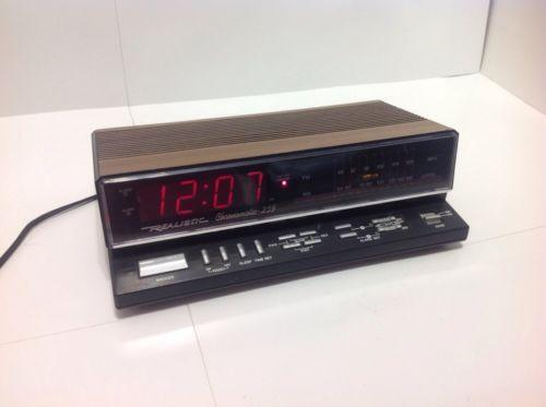retro alarm clock radio ebay. Black Bedroom Furniture Sets. Home Design Ideas