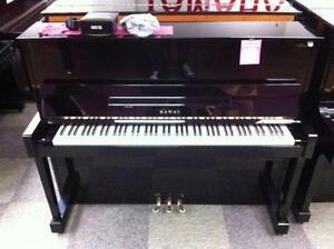 Piano droit Kawai HAT20S, 48'' de haut avec système silent (écouteurs),