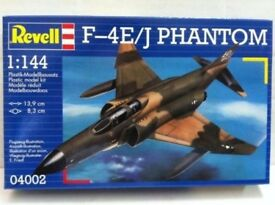 Revell Model Kit 1:144 4002 F-4E-J PHANTOM